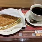 カフェ ド クリエ - ディッシュサンド ハムチーズ+ブレンドコーヒーS