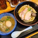 麺屋 頂 中川會 - 料理写真:濃厚魚介つけ麺並盛