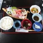 魚山亭 - 満福刺身定食