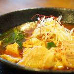 麺彩キッチン あひる食堂 - 味噌ホルモンらぁ麺