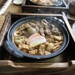 山長 本店 - 味噌煮込みうどん+牛すじ