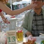 ビアカーニバル - こんな感じで食べさせて頂けます! アホな先輩でしょ!!(笑)