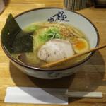 とり一 - 料理写真:塩らぁ麺800円