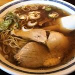 志のぶ支店 - 料理写真:老舗の中華そば