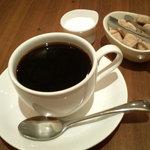 neko - ランチセットの珈琲・紅茶は200円です。