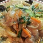 ラーメン246亭 - 具だくさん、野菜たくさん+海鮮