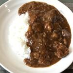 モンブラン - 料理写真:ジューシートマ豚カレー(700円)
