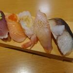 回転寿司 やまと - 旨いもん五貫(638円)