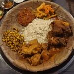 142684583 - 干し飯、緑豆、漬け物、トマトの漬け物、マトンカレー、チキンカレー