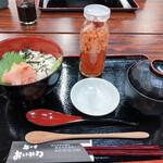 丼の店 おいかわ - 瓶どん(鮭タコいくら)