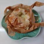 バゲット ラビット - チーズカレーパン(270円)