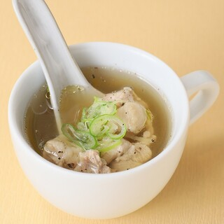 餃子歩兵 - 鶏と生姜のスープ