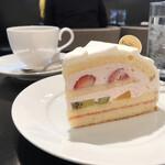 銀座コージーコーナー - ケーキ、大きいです