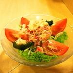 味和居割烹 たむら - ズワイ蟹とトマトのサラダ(980円)