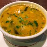 142738381 - 本日のサール(豆のスープ)