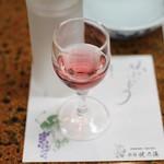 旅館 焼乃湯 - 山ぶどうのお酒1
