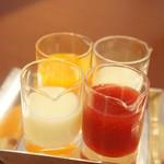 ブルー・ブリック・ラウンジ - 蜜と練乳は別添え。