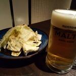 hakatayasaimakikushiyakikokonikonne - お通しキャベツ&生ビール