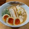 ラーメン屋 るっきー - 料理写真:ラーメン並味玉トッピング