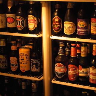 世界各国のボトルビール60種に樽生ビール6種!!