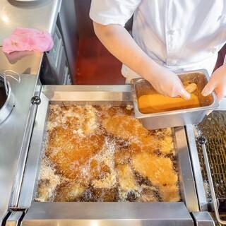 """昭和31年に生まれた、洋食で""""幸せいっぱいにする""""という想い"""