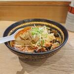 味八 - 味噌オロ(中辛)、950円。