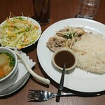 Asian Dining & Bar SAPANA - カオ・マンガイ¥1000-
