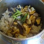 鴨鶴 - サザエの釜飯