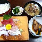 Kogureshokudou - 小暮食堂 @佐野 中トロ盛合せ定食 1,000円