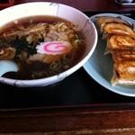 味銀 - 料理写真:ラーメン+餃子