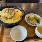 神戸元町ドリア - 料理写真:暫く待つと注文したオムドリアランチ990円の出来上がりです。