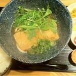 14281468 - きつねうどん(お惣菜3品付き)714円とご飯105円
