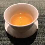 蒼 - 台湾茶 →ここで一息!濃厚な旨味溢れる赤座海老の食べ比べの口をリセットさせる素晴らしい台湾茶(^^)こういう流れは良いですね!!
