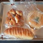 サヴァーレ - 料理写真:ミニクロワッサン・焼きカレー・ミルクフランス