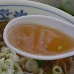 大勝食堂 - スープはこんな感じ