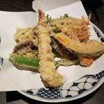 142836933 - 海老と野菜の天ぷら900円