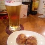 14284761 - ビールにはポン酢たこ焼きあいました。