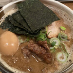 吉田製麺店 - 料理写真:魚介豚骨細麺 特製らーめん(味玉) 1,050円