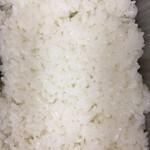 さいとう - 酢飯か普通の白米かどちらでしょう。     酢飯やよ。