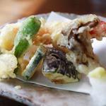 創作和食 田 - 蕎麦コースの天ぷら。エビが大きくてぷりぷりしてまうす。