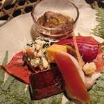 142857666 - 八寸はナマコ酢、鮪にぎり、牡蛎、ウニとチーズ、カラスミ、卯の花、ゼリー寄せ