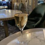 142859845 - シャンパン マカロンセット ¥1710-