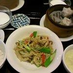 14286370 - 豚肉の黒こしょう炒め(日替わりランチ)