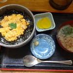 埼玉屋食堂 - 津軽産の生うにが乗っている。\1500