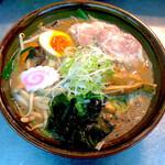 ラーメン居酒屋 鮫鱈鯉 - 北海味噌カムイラーメン(北海道直送麺使用、トッピングが変わる場合あります)