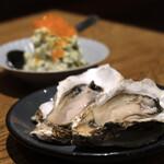 サカナバル - 生牡蠣、お寿司屋さんのポテトサラダ