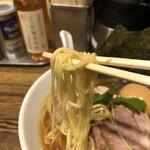 142865610 - 麺リフト