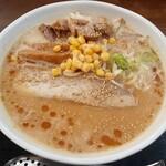 こだわりらーめん 麺太 - 料理写真:白みそラーメン 中盛(800円也) 以前より濃厚さUP!