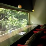 ゆず家 - お庭を眺めながらいただけるカウンター席