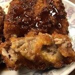 三ちゃん食堂 - メンチの肉汁